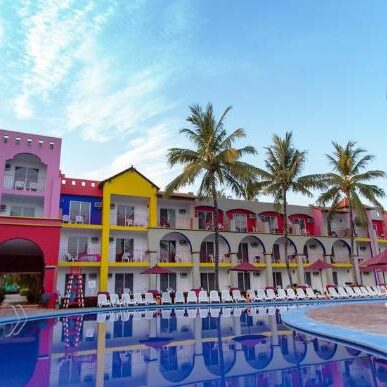 royal-decameron-complex-1.INS